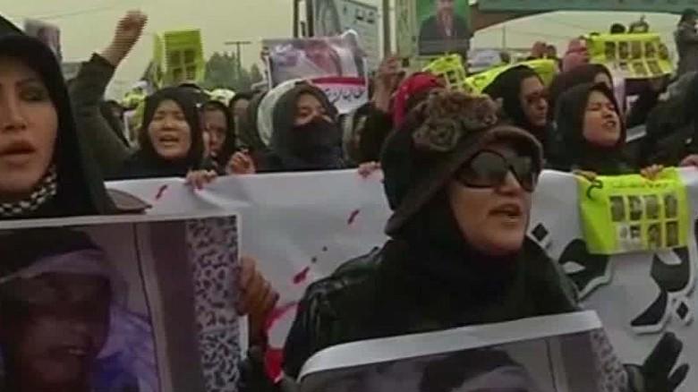 Тысячи афганцев протестуют хазарейцев обезглавливание